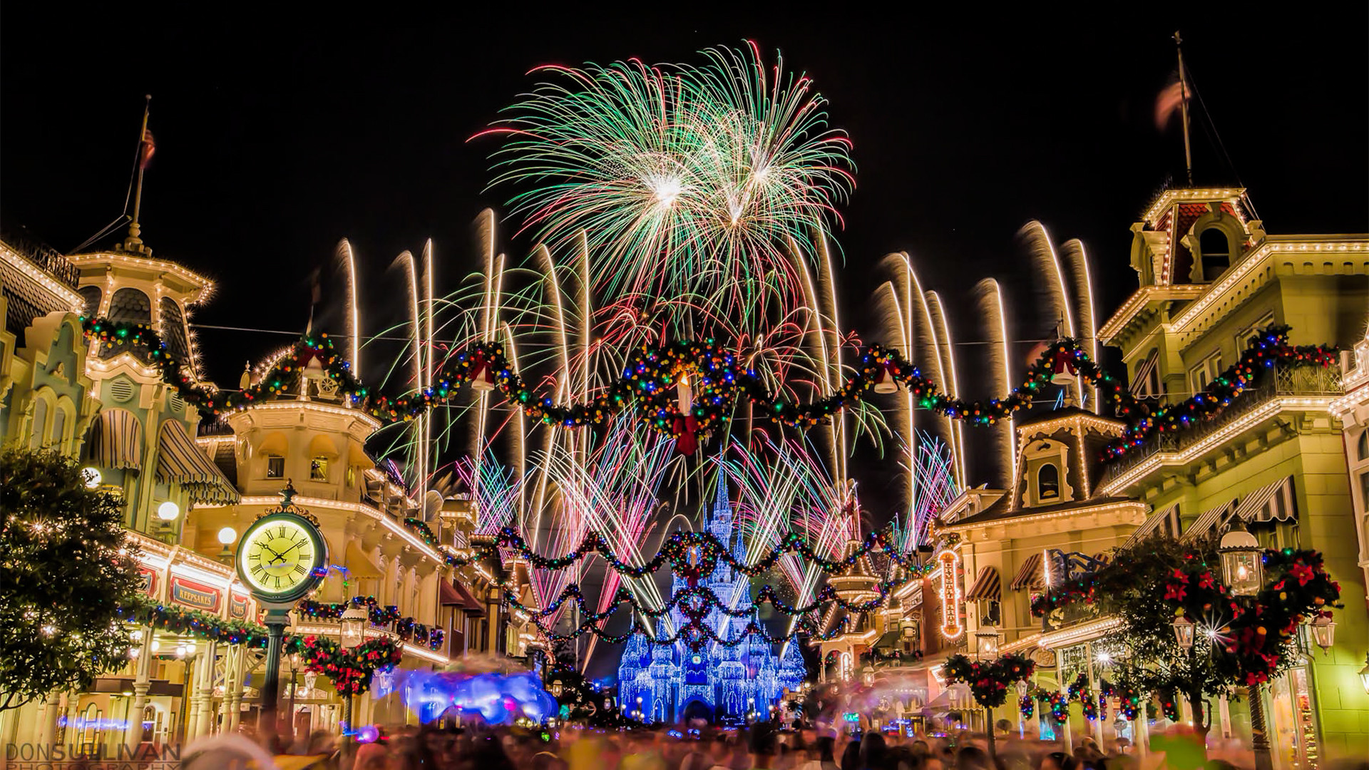 Disney Christmas Wallpaper Backgrounds 58 Pictures